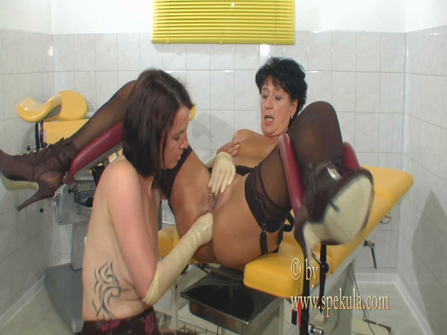 [SPEKULA] Ass fisting with peeing [FULL HD][1080p][MP4]