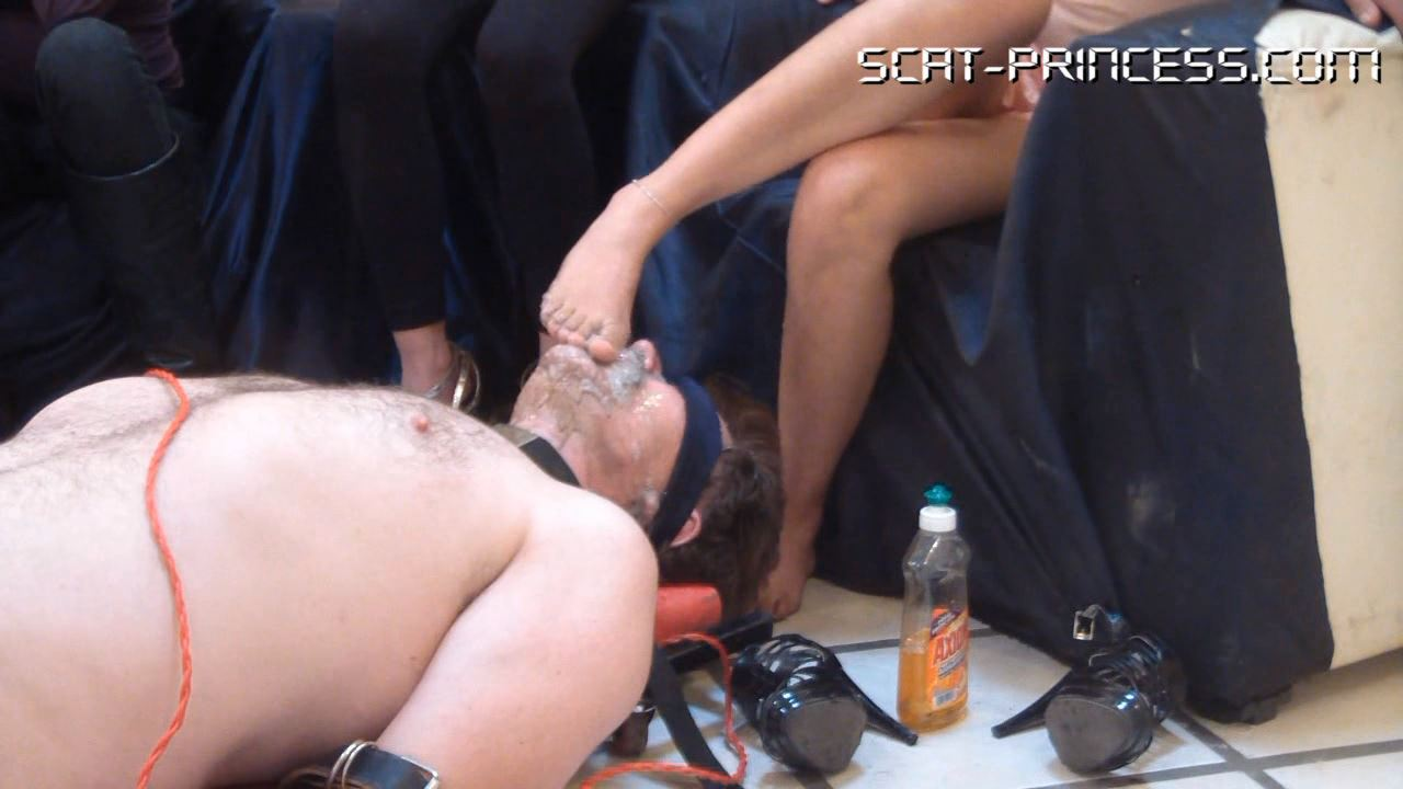 [SCAT-PRINCESS] 9 Lunches for 9 and 9 Dinners for one, poor Toilet Slave Part 1 Feet [HD][720p][WMV]