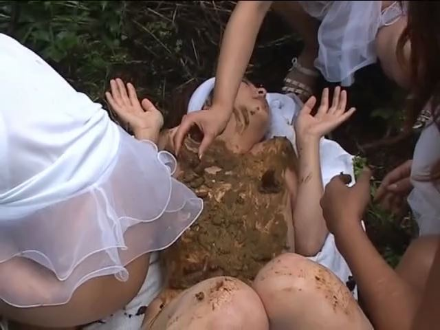 [SCAT FEMDOM MEDLEY] Japanese girls scat on their girlfriend [SD][480p][MP4]