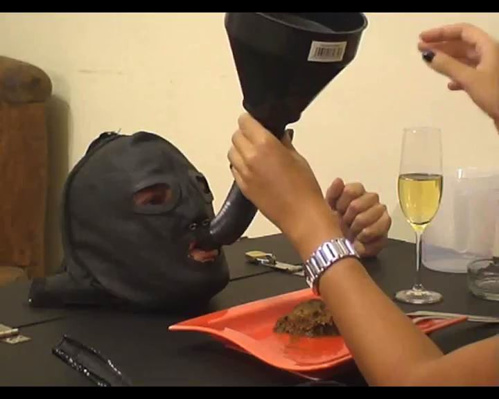 [SCAT FEMDOM MEDLEY] Makes slave eat her shit [SD][576p][MP4]