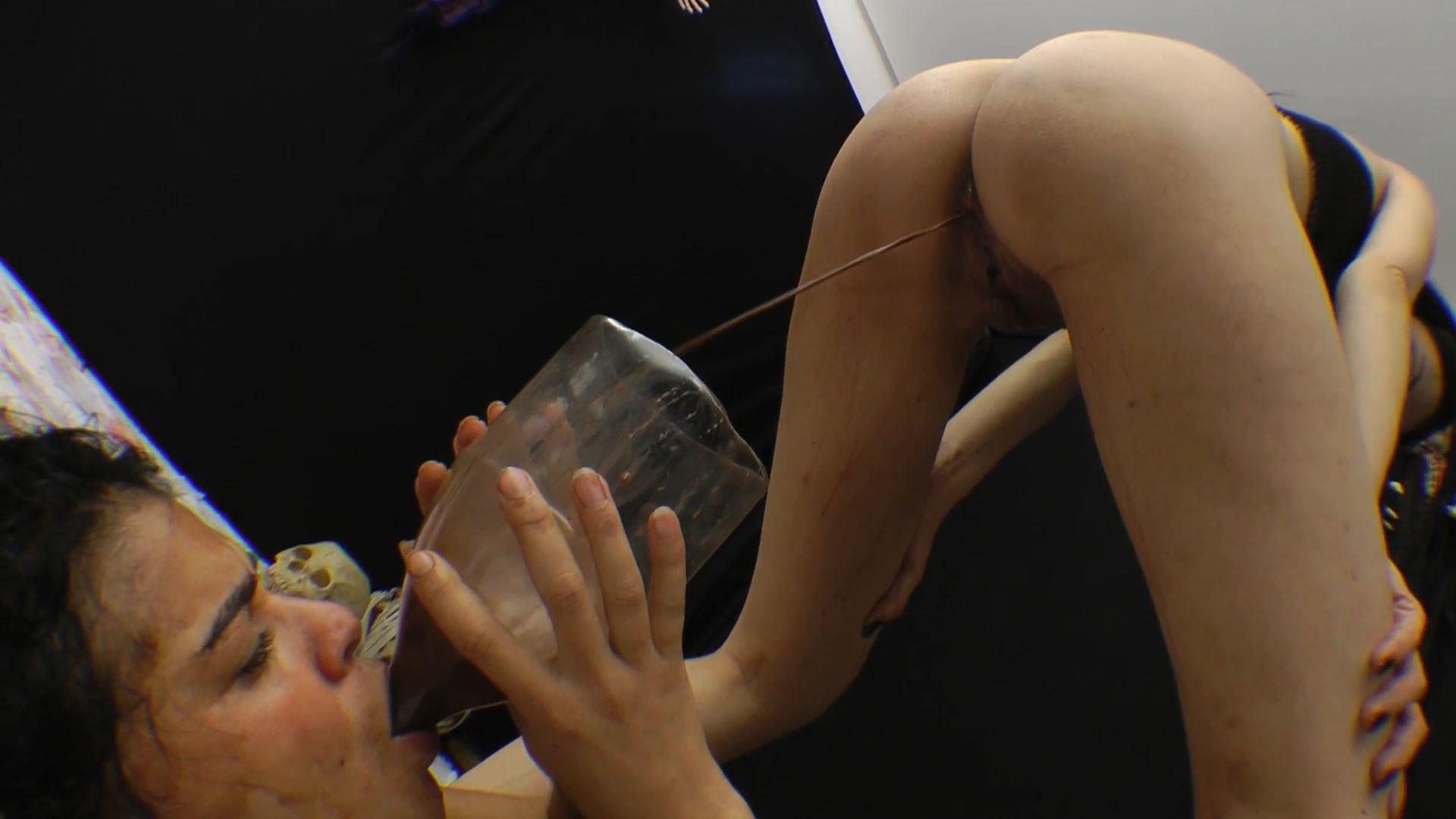 [ENEMA / SG-VIDEO] Facesitting - Enema Diarrhea X-tra Dirty by Brutal Karina Cruel [FULL HD][1080p][MP4]