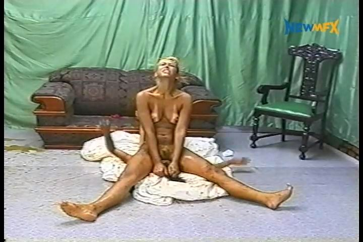 [NEW SCAT IN BRAZIL / NEWMFX] FATAL SCAT - PART 1. Featuring: Jade, Sabrina Blonde [SD][480p][MP4]