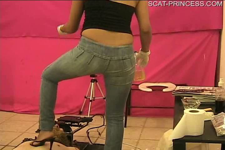 [DOM-PRINCESS] Gabi Chair 11 O'clock about 14 Min [SD][480p][WMV]