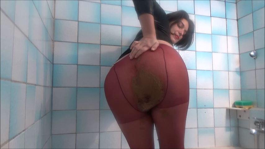 [MISTRESS ROBERTA]Red Pantyhose Tasty Shit Pov [SD][480p][MP4]