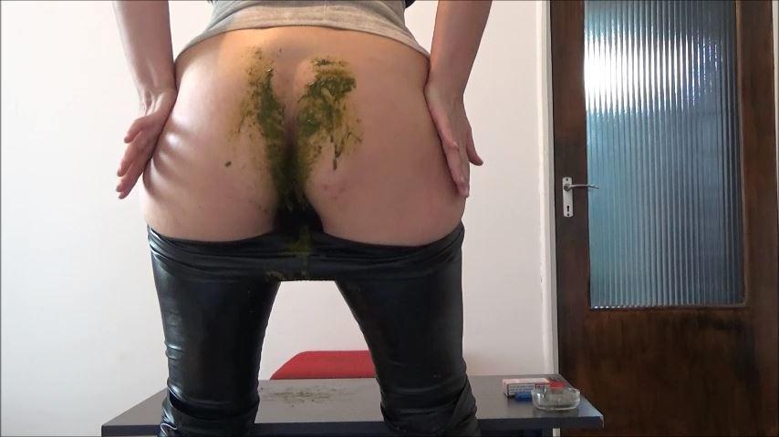 [MISTRESS ROBERTA]Diarrhea In Pants Pov [SD][480p][MP4]