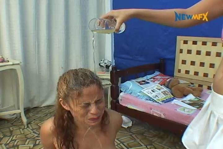 [PISS IN BRAZIL / NEWMFX] KIDS' FIGHT. Featuring: Cristina, Karla [SD][480p][MP4]